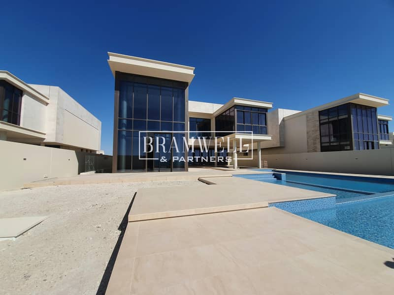 Beautifully Designed 7 Bedroom With  Basement  Full Sea View!