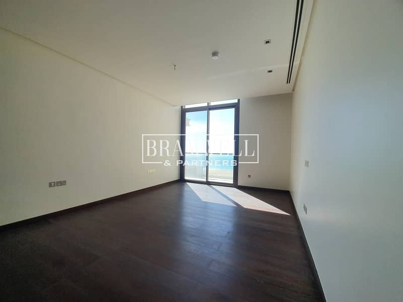 15 Beautifully Designed 7 Bedroom With  Basement  Full Sea View!
