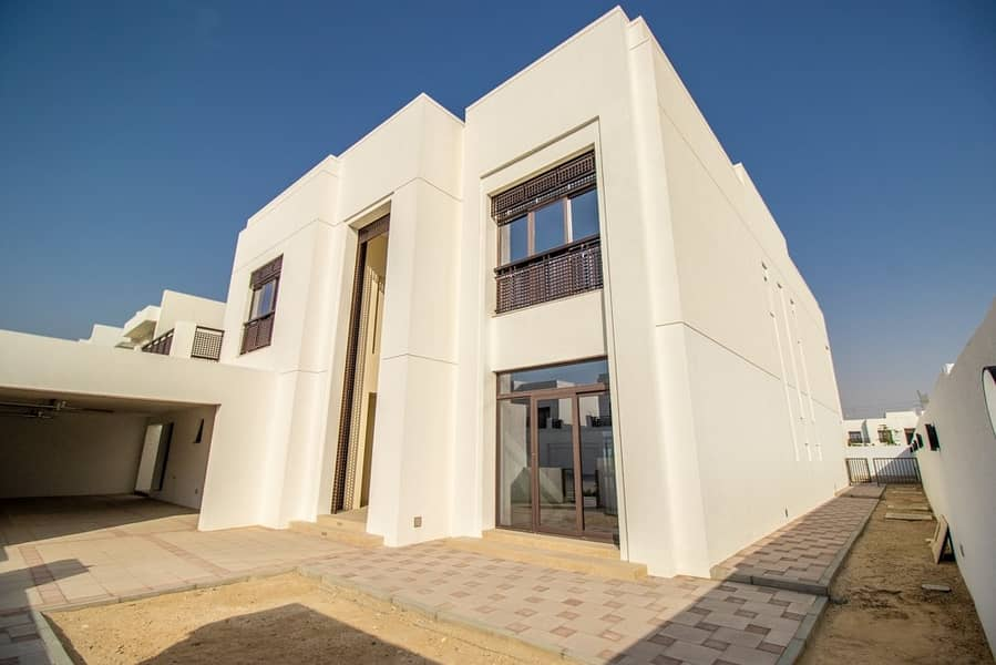 Huge Plot - 4 bedroom- Modern Arabic Style