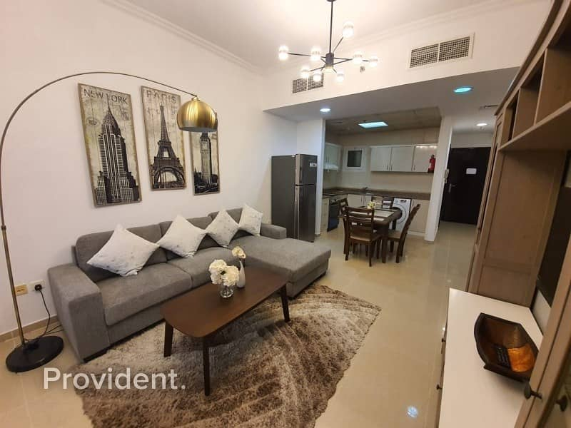 2 Exclusive|Vacant|Luxury Furnished|Next to Metro