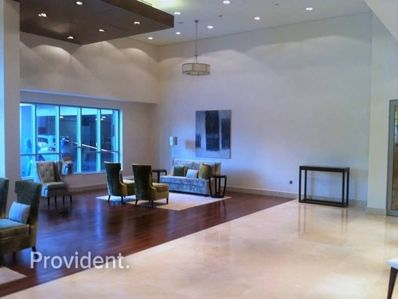 9 Large Unit in Low Floor | Pool and Fountain View