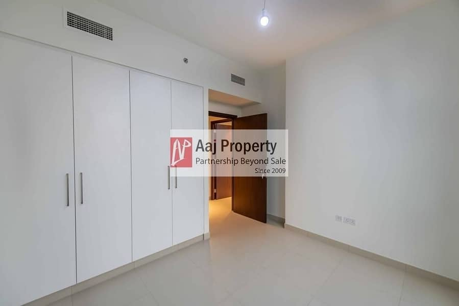 20 ONE BEDROOM DELIGHT | Direct on park & Nearby Mall !!