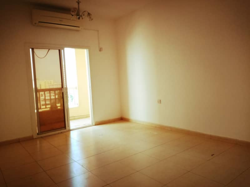 شقة في القاسمية 17000 درهم - 4592785