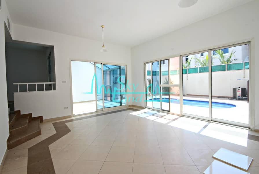 2 Very Bright 4 Bed Villa With Private Pool