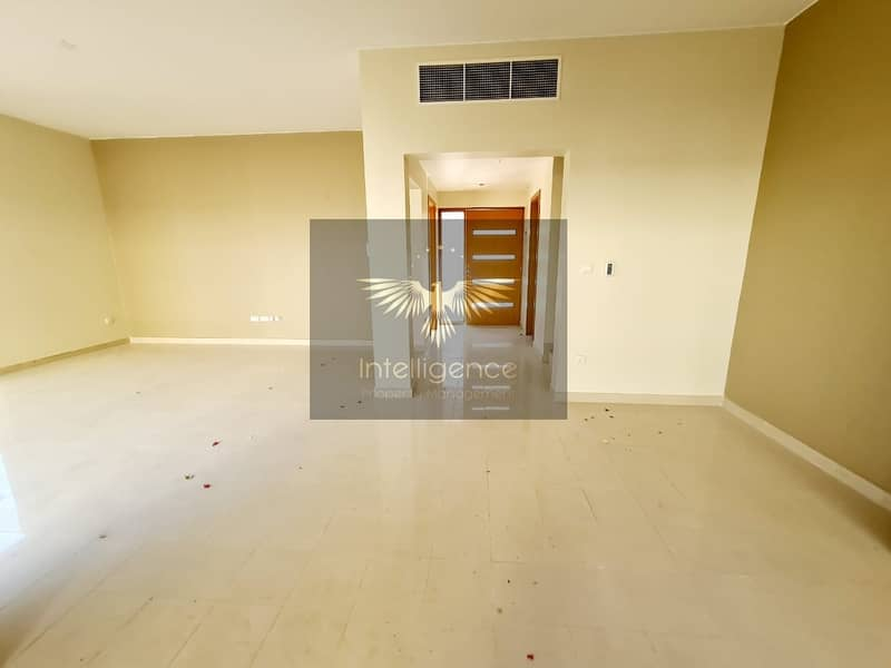2 Well Maintained Townhouse w/ Maid`s and Study Room