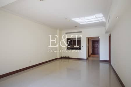 1 Bedroom Flat for Rent in Palm Jumeirah, Dubai - 1Bedroom Large | Golden Mile 2| Community View| PJ