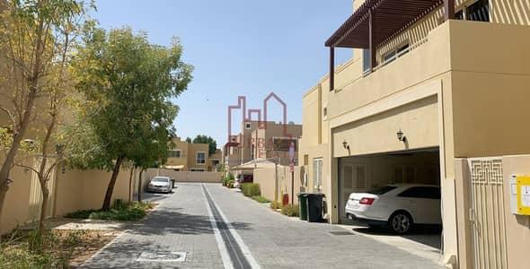5 Bedroom Villa for Rent in Al Raha Gardens, Abu Dhabi - Unfurnished 5BR villa w/ private pool