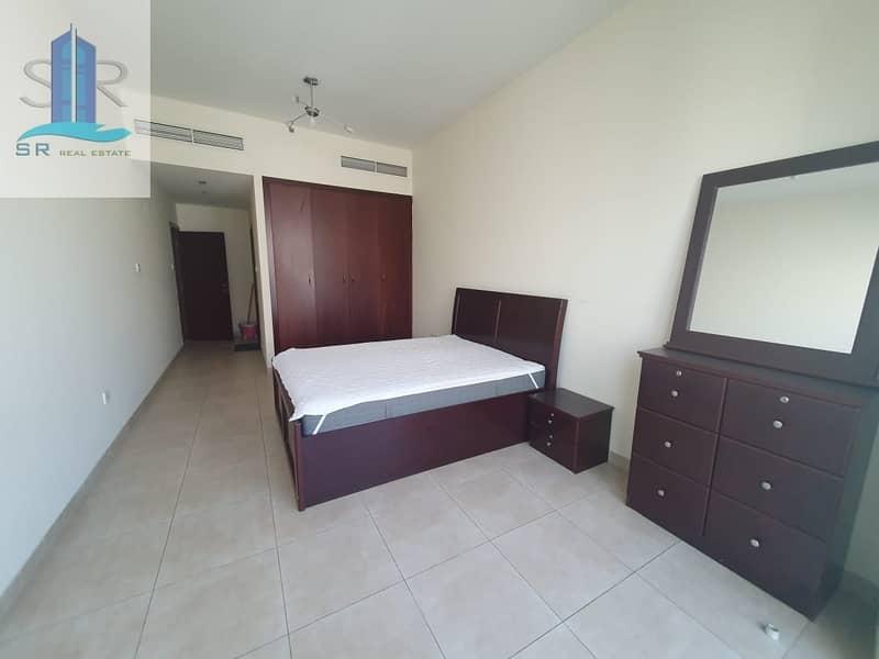 Fully furnished| 1Bed| Balcony| Trafalgar executive