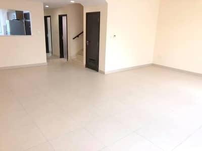 فیلا 3 غرف نوم للبيع في المدينة العالمية، دبي - فیلا في قرية ورسان المدينة العالمية 3 غرف 1290000 درهم - 4545623