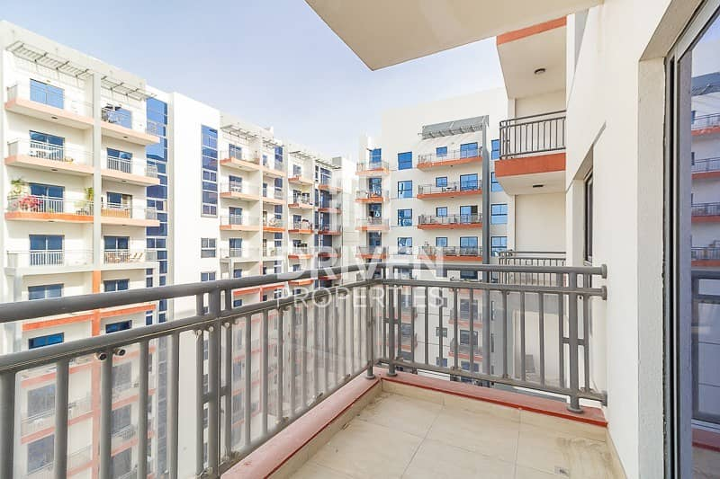 Ready To Move In Spacious 2 Bed Apartment