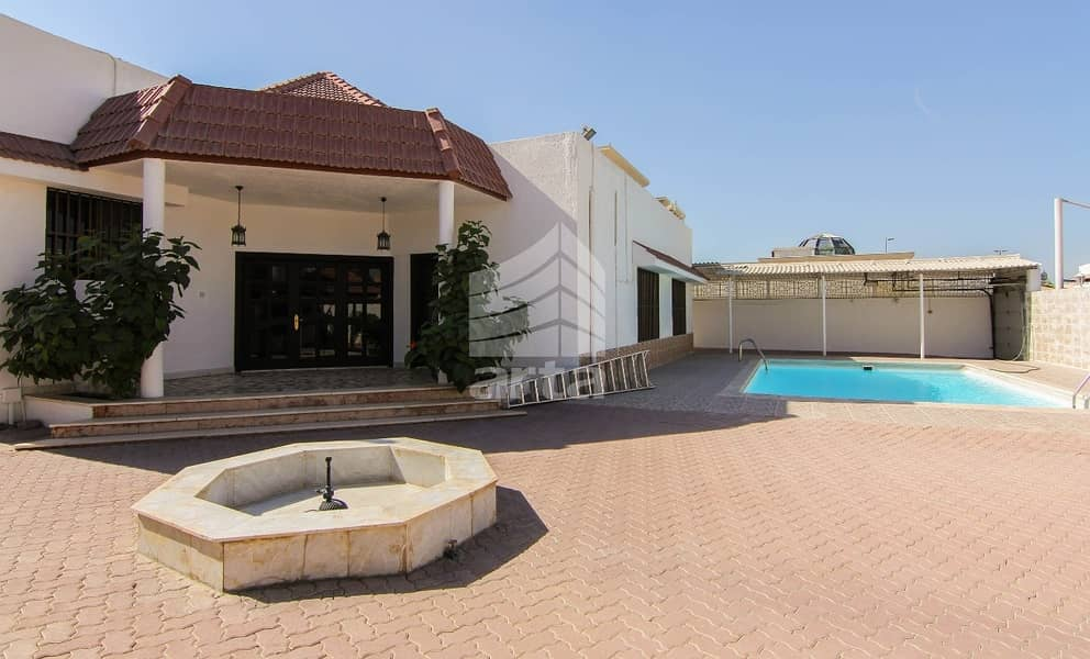 Burj Khalifa View   Affordable Villa with Complete Amenities    9 Parking Spaces
