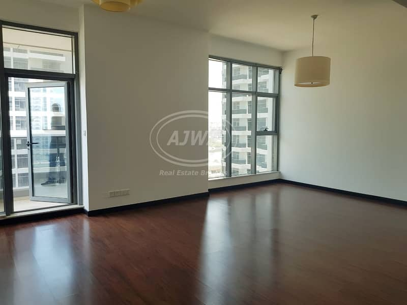 2 Huge & Beautiful 1 Bedroom In Green Lakes S1- JLT