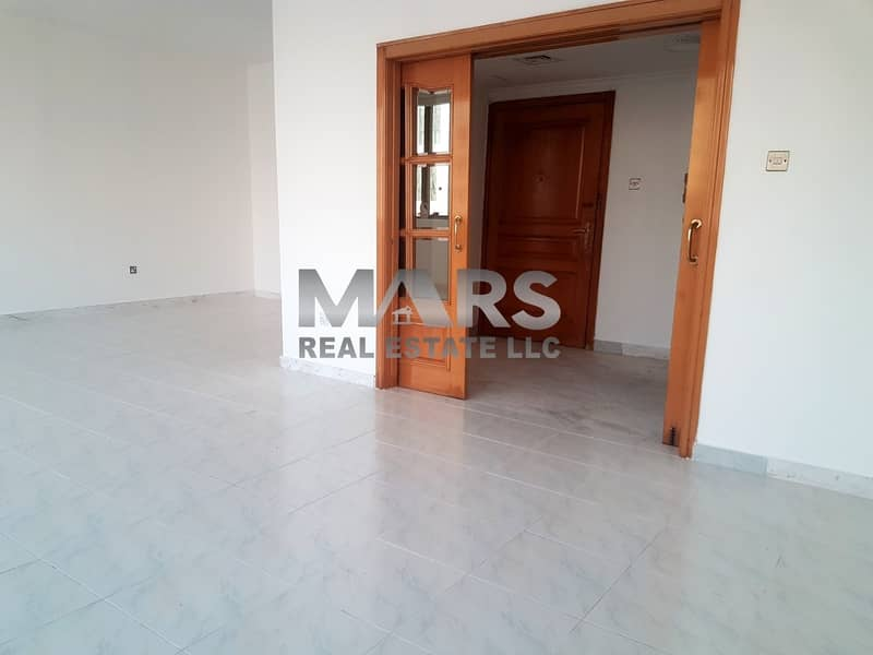 Well-maintained 3 Bedroom at Khalifa Street