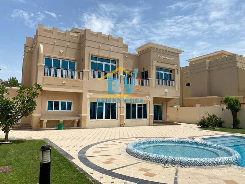 ROYAL MARINA VILLAS!!!CLASS VILLAS FOR YOUR CLASS LIFE STYLE!!! THE LUXURIOUS!!! 4 BEDROOM