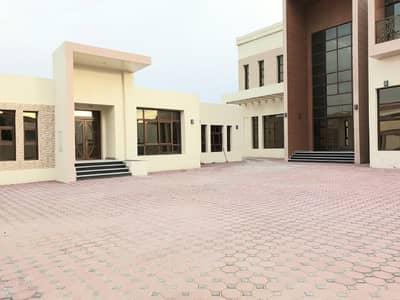 فیلا 7 غرف نوم للايجار في الطوار، دبي - فیلا في الطوار 3 الطوار 7 غرف 400000 درهم - 4596839