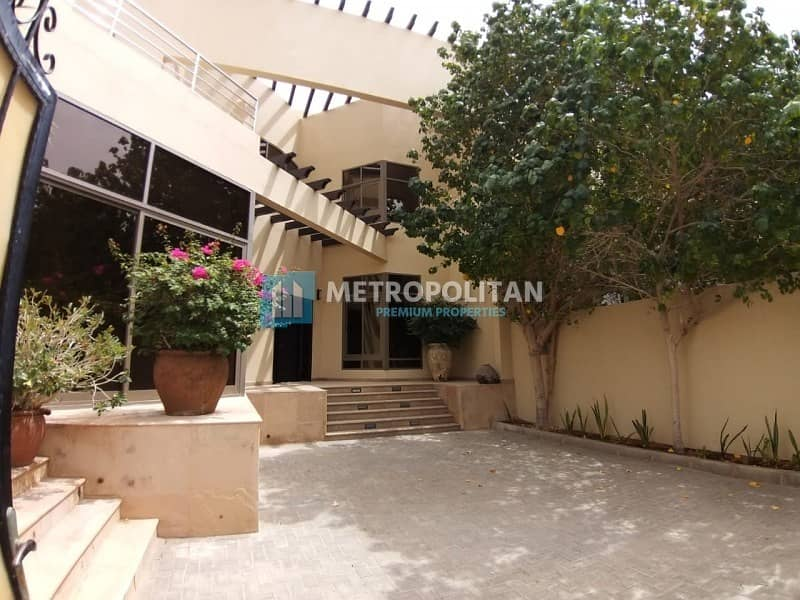 2 Modern 5 bedroom villa with private swimming pool for 240K