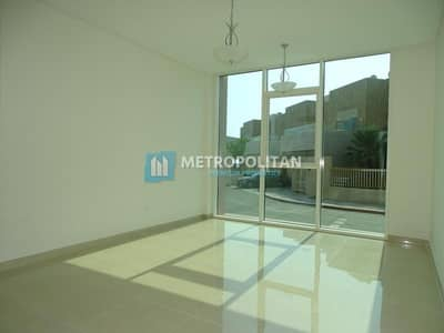 شقة 3 غرف نوم للايجار في مارينا، أبوظبي - 3BR Aprt. w/ Maid's Room & Fitted Kitchen