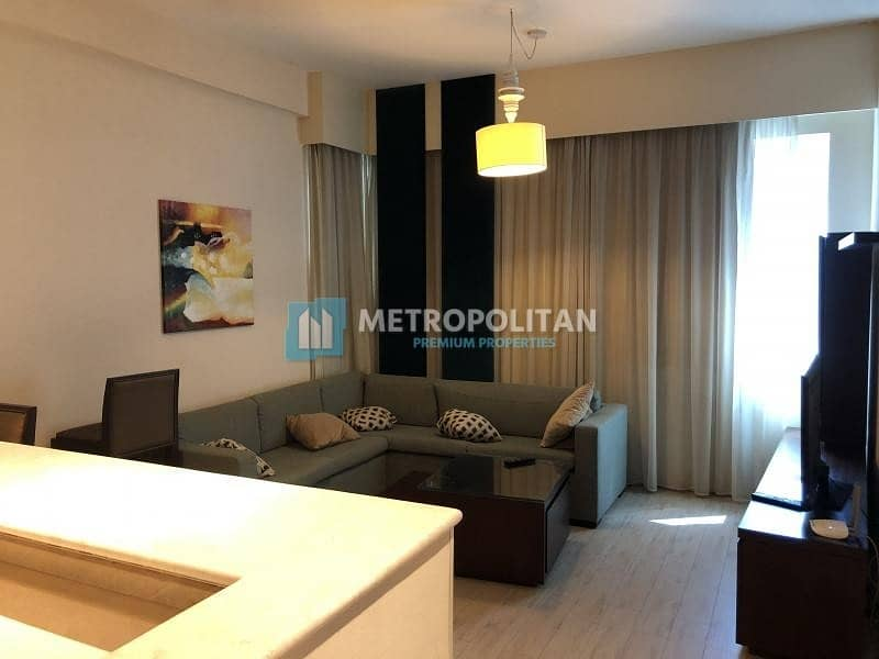 Stunning Fully Furnished 1BR w/ Car Paking