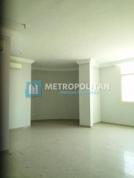 Ready / Huge 6BR Villa w/ 2 Majlis / 230K
