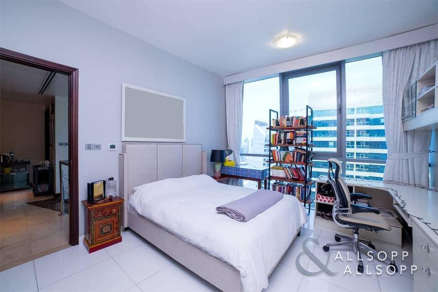 10 Duplex Penthouse | Fully Upgraded |Terrace