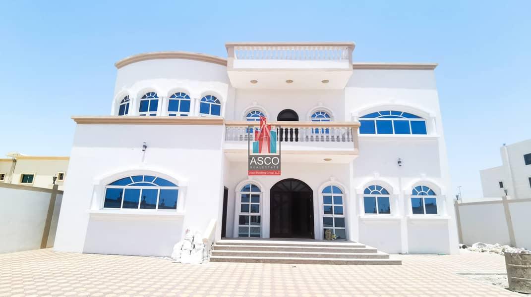 Exclusive   villa 6 Bedrooms   Maid room