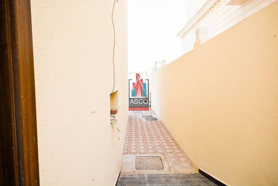 19 Corner villa 6BR | 2 floors | Large areas