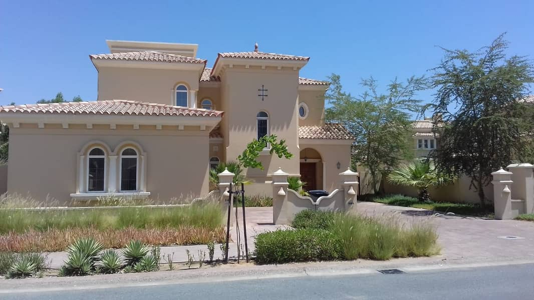 3 B/R Villa Direct from owner With pool and no Maintenance for pool