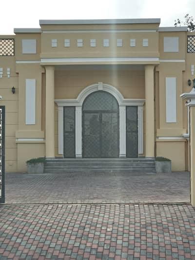 فیلا 4 غرف نوم للايجار في الورقاء، دبي - فیلا في الورقاء 2 الورقاء 4 غرف 125000 درهم - 4598306