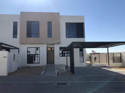 Ready To Move Luxury Villa 3 Bd (Corner) No Service Charge For Life Amazing Location