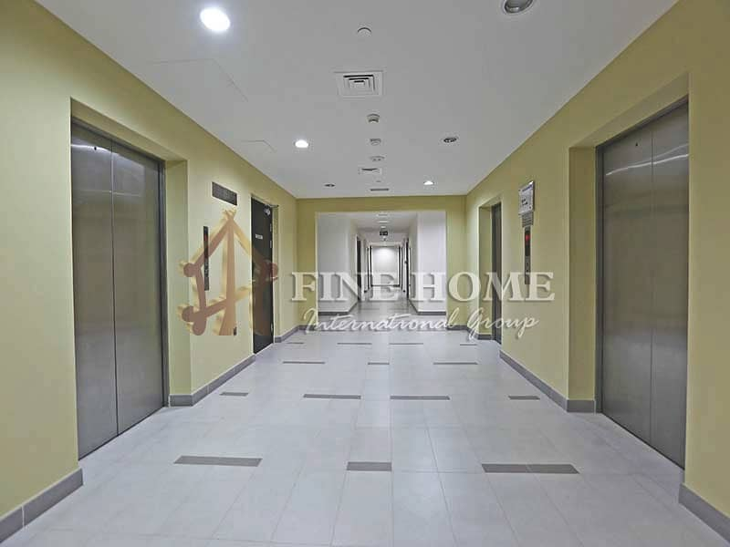 Vacant Now 1 BR. With MARINA Full VIEW !