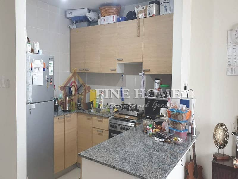 10 Vacant Now 1 BR. With MARINA Full VIEW !