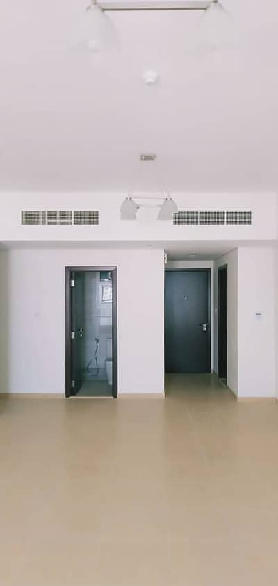 2 Bedroom Apartment for Rent in Al Nuaimiya, Ajman - 2 bedroom hall with 3 Balcony for rent