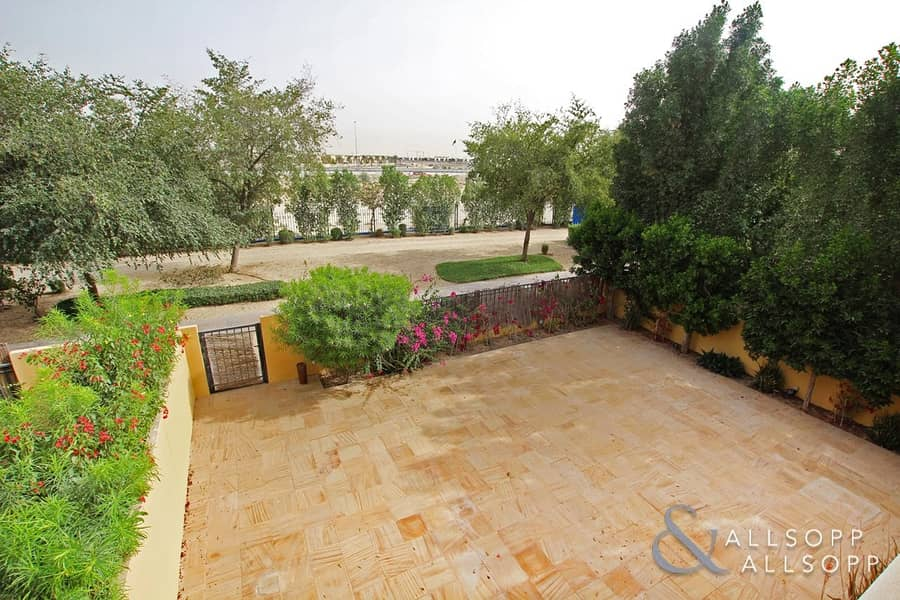 Two Bed | Study | Close to Pool and Park