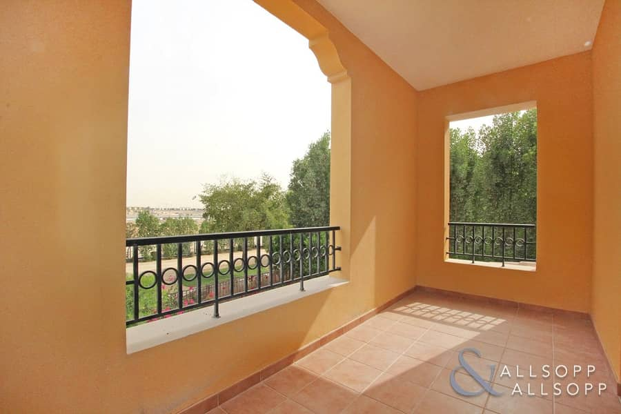 2 Two Bed | Study | Close to Pool and Park