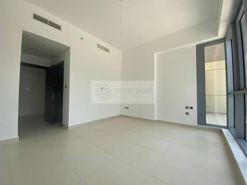 10 Amazing Two Bedroom   Best Huge Layout   Downtown