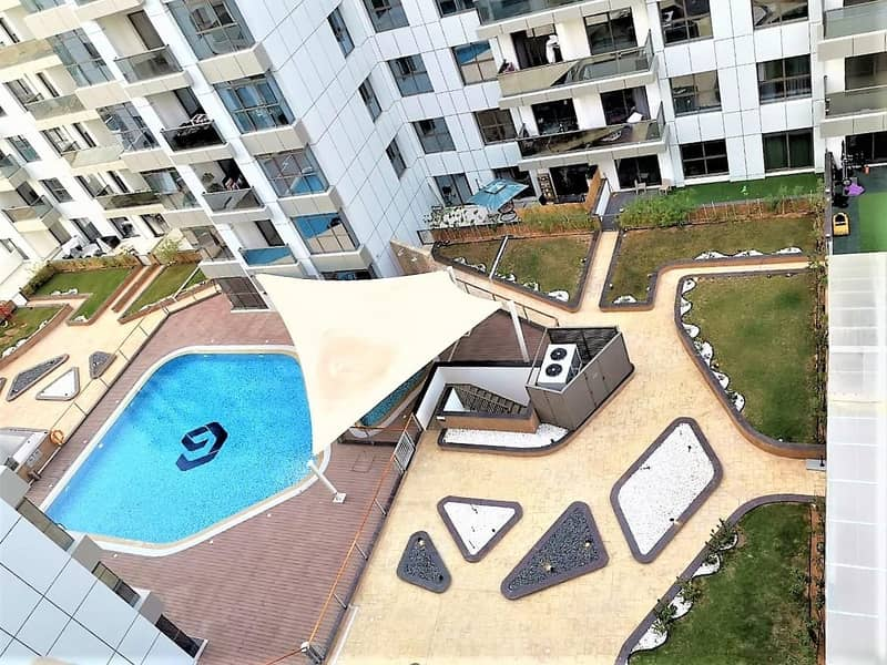 Pool View|Corner Unit with Balcony-Deal Open Now