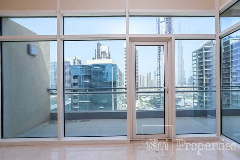 2 Burj Khalifa view Large 1 BR with huge balcony