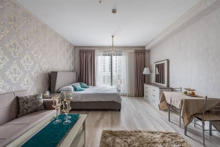 Studio for Rent in Downtown Dubai, Dubai - Chic Studio Apartment | Blvd Central Downtown