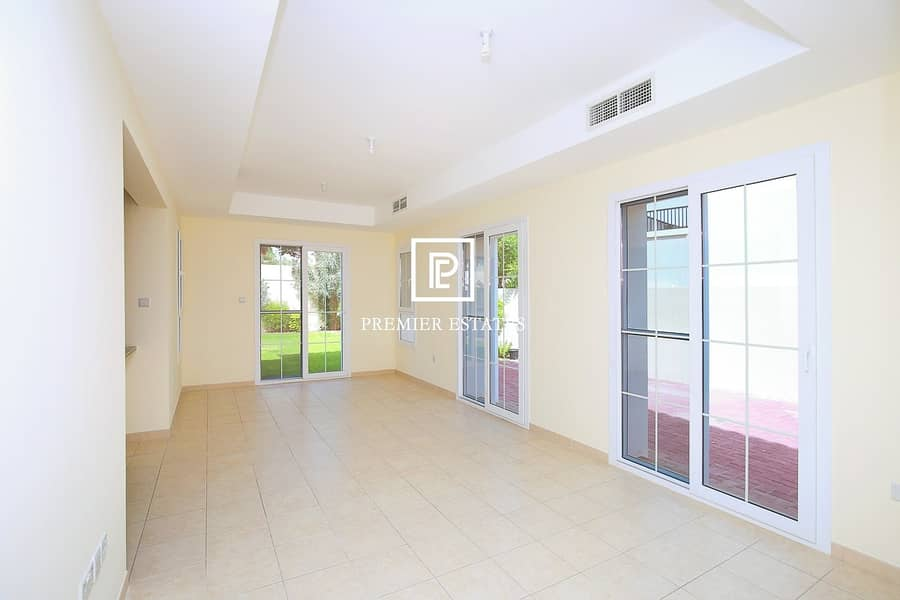 2 Immaculate 2 Bedroom plus Study|Near Jess | Rented