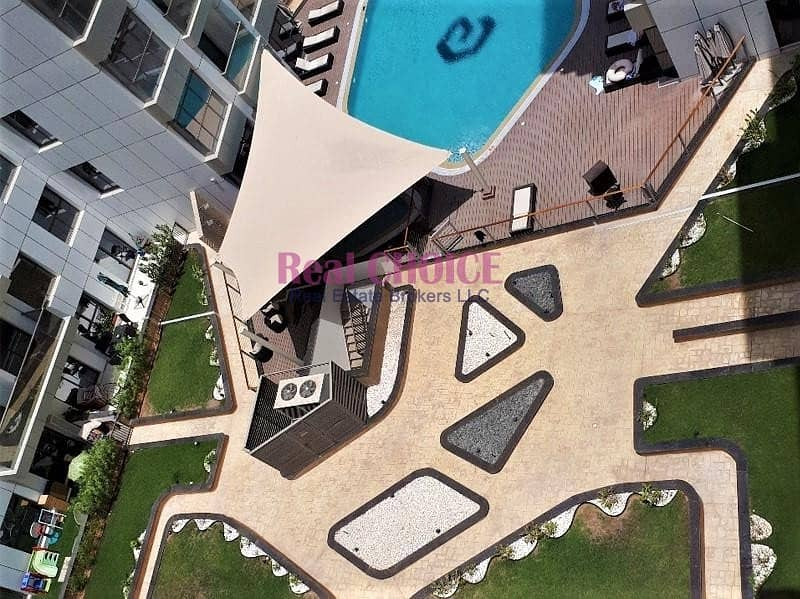 13 Fully Furnished 3BR Apartment|Amazing Pool Views
