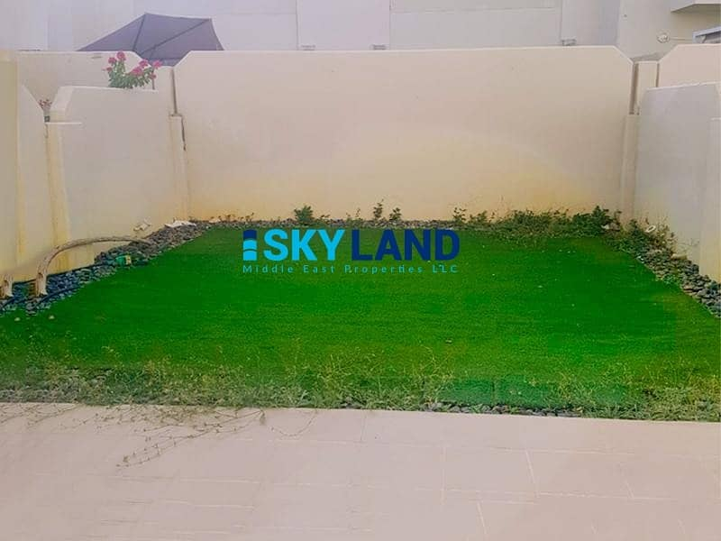 10 Hurry Up ! VACANT 2Beds w/ Store and Garden for only 76k !