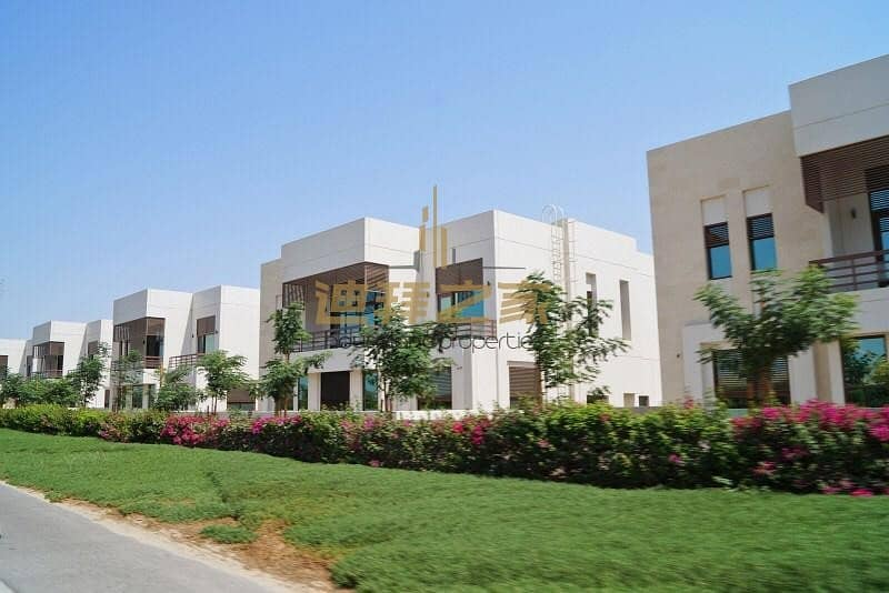 luxury brand new 6bedrm villa with burj view in mbr city