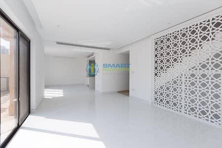 تاون هاوس 5 غرف نوم للبيع في مدينة دبي الرياضية، دبي - Bespoke Finishing with Full Pool View