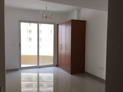 استوديو  للايجار في مدينة دبي للإنتاج، دبي - شقة في برج ليك سايد D ليك سايد مدينة دبي للإنتاج 16999 درهم - 4602183