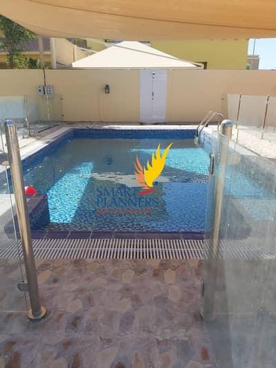 فیلا 4 غرف نوم للايجار في البرشاء، دبي - Grand Living Spaces With An Air Of Elegance
