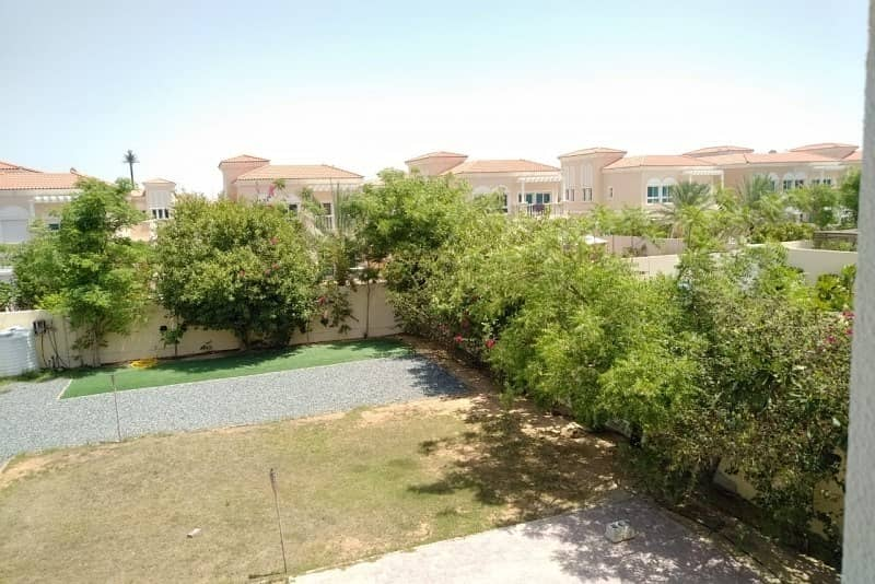 2 Beautifully Landscaped   Freshly Painted   Massive Play Ground  
