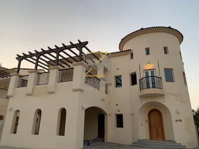 6 Bedroom Villa for Sale in Jumeirah Golf Estate, Dubai - luxury standalone villa at royal golf cash price