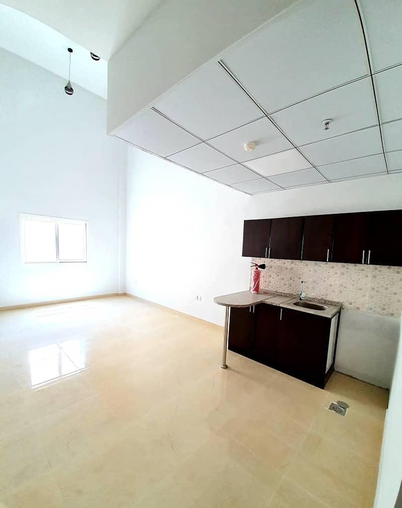 شقة في الروضة 3 الروضة 15500 درهم - 4602796