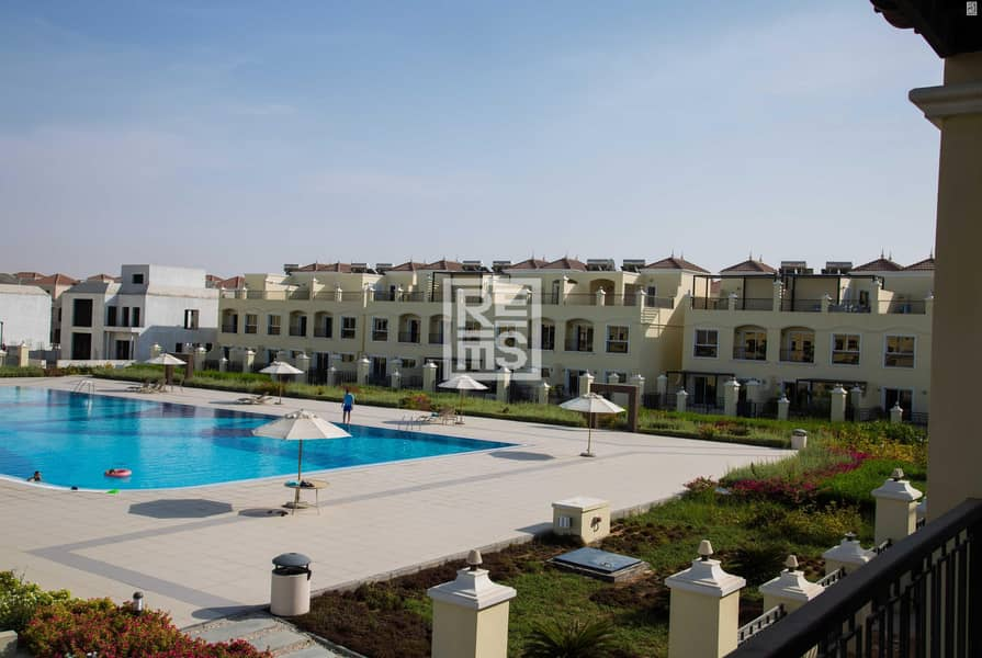 10 4BR Outstanding Pool View Bayti Townhouse