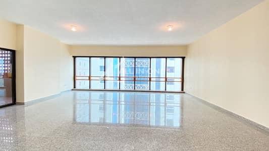شقة 4 غرف نوم للايجار في منطقة الكورنيش، أبوظبي - Spectacular 4BR Duplex+Maids Room in 4 Pays!